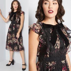Modcloth Tiered Floral Midi Velvet Bow Dress NEW